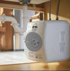 Tronic 3000T ES4 di Bosch -uno scaldabagno elettrico
